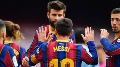 ميسي يجدد ولاءه لـ برشلونة، ويتنازل عن نصف راتبه