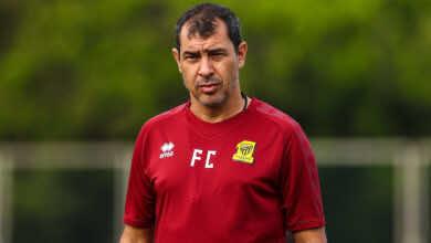 لاعب اتحادي سابق يرشح مدرب الهلال لخلافة فابيو كاريلي!