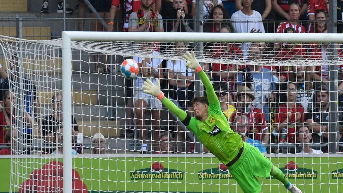 شاهد فيديو اهداف مباراة بوروسيا دورتموند وفرايبورج في الدوري الالماني (صور:AFP)