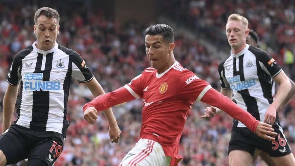 ملخص واهداف مباراة مانشستر يونايتد ونيوكاسل في الدوري الانجليزي «رونالدو يُهدف في أول ظهور»