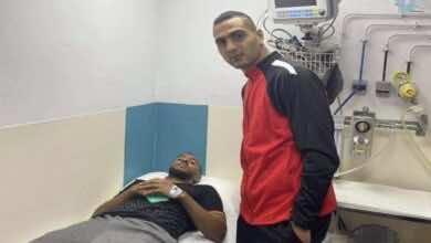 بالفيديو | حارس الاتحاد الليبي يزور حمدو الهوني في المستشفى بعد جريمة رادس!